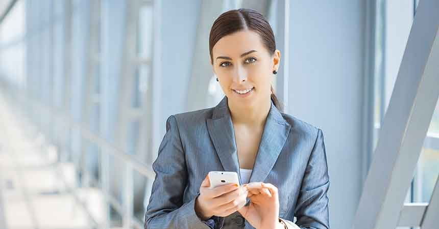Marketing to Women in the Dealer World: She Loves Her Mobile Device