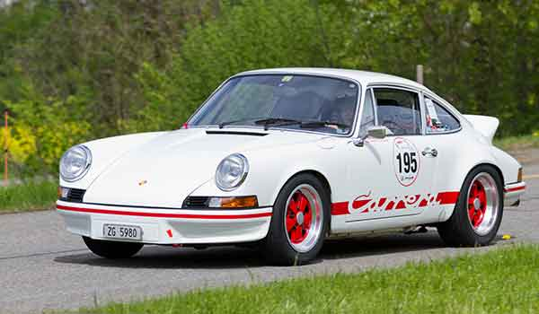 shutterstock_114850117-porsche-carrera-article